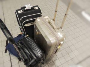 大量の手荷物